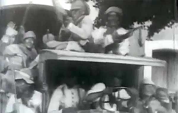 """Movimento armado em apoio à Aliança Liberal acontece  ao mesmo tempo no RS, MG, PB e PR.Trecho de """"1930: Tempo de Revolução"""" (1990), de Eduardo Escorel"""