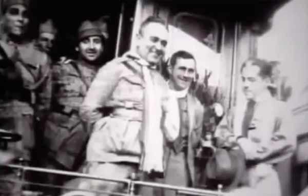 """Getúlio Vargas  tomaposse do governo provisório que duraria 15 anos. Trecho de """"1930: Tempo de Revolução"""" (1990), de EduardoEscorel"""