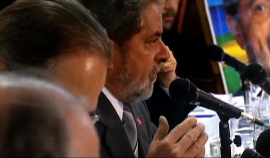 Em entrevista a correspondentes estrangeiros, o candidato Luiz Inácio Lula da Silva responde sobre a importância do PT