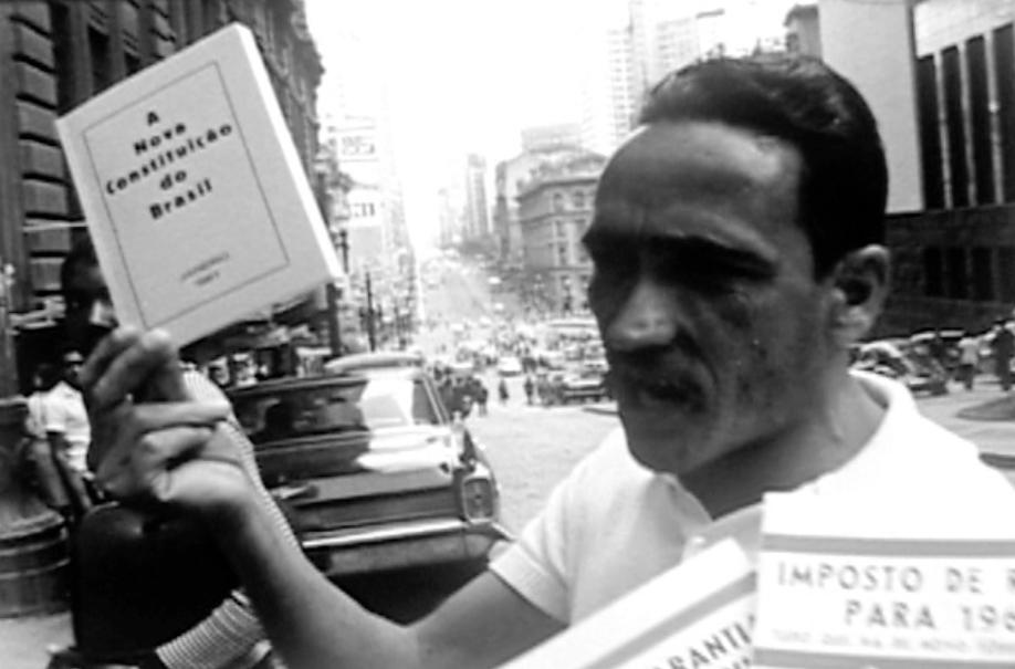 """O documentário de João Batista de Andrade foi produzido pelo Grêmioda Faculdade de Filosofia da USP e pelo Jornal """"Amanhã"""", da UNE"""