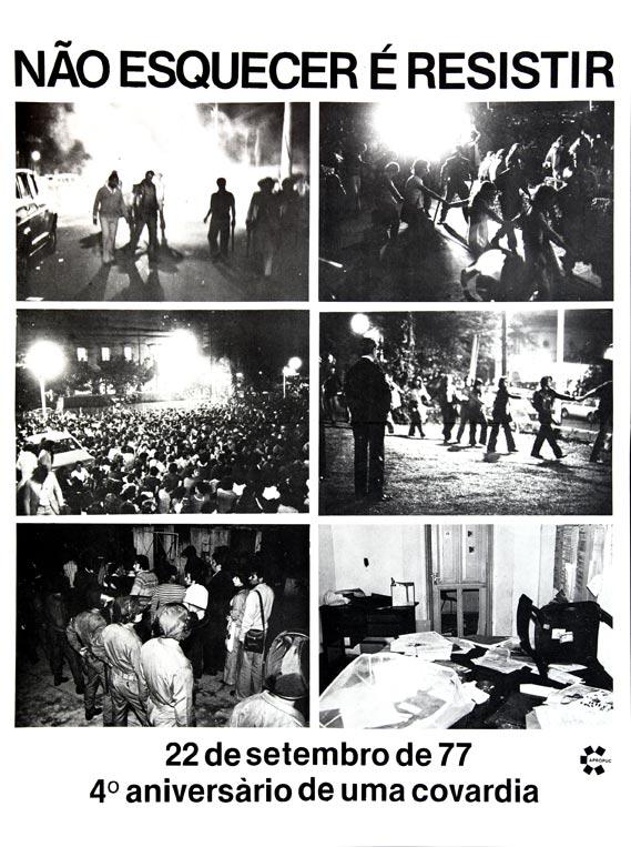 Cartaz com imagens da invasão da PUC-SP pela polícia