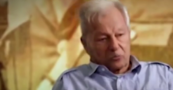 Ivan Proença, ex-capitão do regimento dos Dragões da Independência e que foi contra o golpe, conta episódio em que protegeu estudantes de ataques de grupos paramilitares
