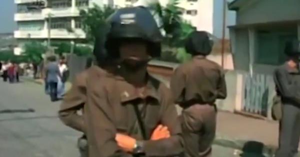 Governo intervém no Sindicato dos Metalúrgicos de São Bernardo do Campo (SP) em 1979; trabalhadores reagem e são violentamente reprimidos pela Polícia Militar