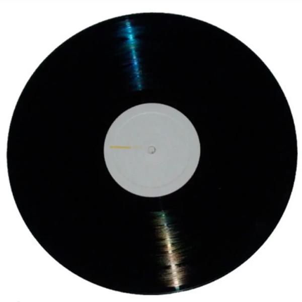 """A """"Sinfonia das Diretas""""  é de autoria do professor e maestro Jorge Antunes, da UnB, que decidiu criá-la a partir dos sons ouvidos em um comício pelas Diretas em Brasília; com a ajuda de motoristas voluntários, gravou um buzinaço que reproduzia os sons de notas musicais"""