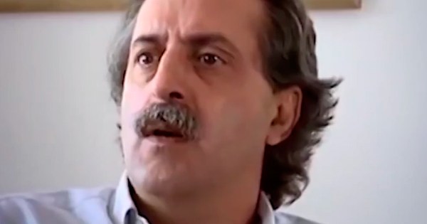Depoimento do publicitário Paulo de Tarso sobre o estabelecimento da Lei Falcão, que silenciou a propaganda política no rádio e na TV na campanha municipal de 1976