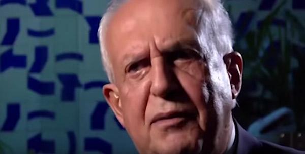 O senador Jarbas Vasconcelos fala sobre Dante de Oliveira, o deputado novato que colhia assinaturas para apresentar seu projeto: eleições diretas para presidente