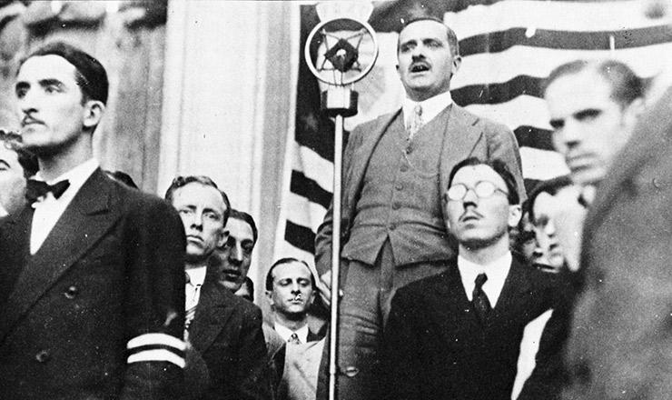 <strong> Valdemar Ferreira, do Partido Democr&aacute;tico, discursa</strong> no comício da Frente Única Paulista, em 24 de fevereiro de 1932
