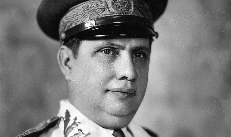 <strong> General Góis Monteiro</strong> , comandante militar das forças federais