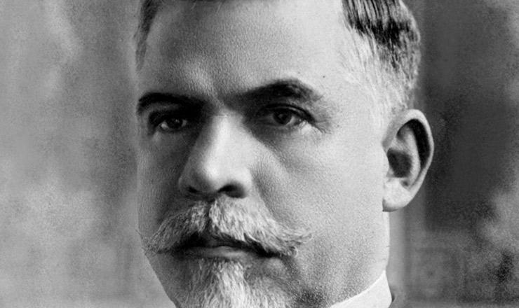 """<strong> Washington Luís, </strong> o presidente """"paulista""""nascido em Macaé (RJ), rompeu o acordo com os mineiros e indicou à sucessão outro político de São Paulo"""