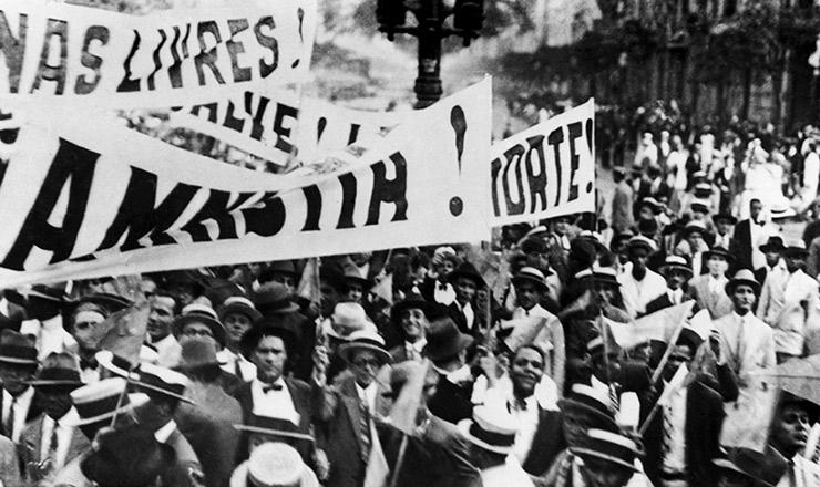 <strong> A campanha da Aliança Liberal toma </strong> as ruas do Rio de Janeiro em1929