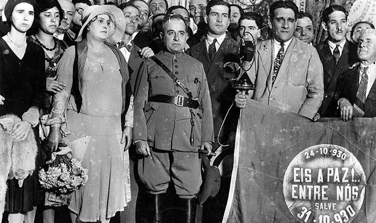 <strong> Getúlio Vargas chega ao palácio do Catete</strong> , em 31 de outubro de 1930
