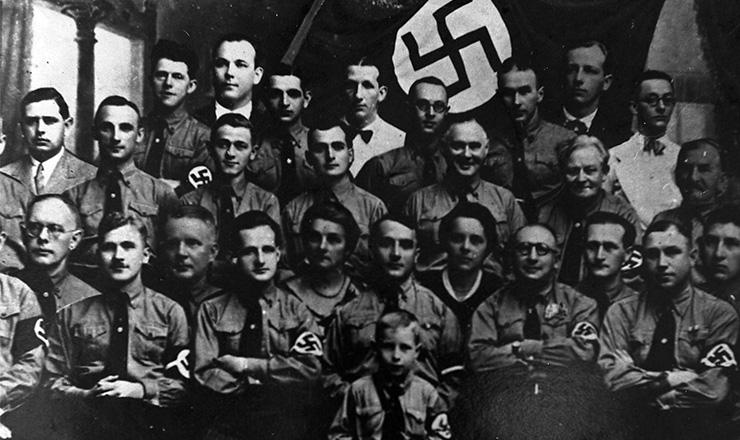 <strong> Brasileiros adeptos do nazismo&nbsp;</strong> re&uacute;nem-se em Florian&oacute;polis no&nbsp;final dos anos de 1930  &nbsp;  &nbsp;