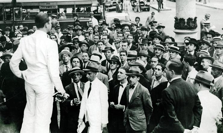 <strong> Com&iacute;cio da ALN</strong> &nbsp;na Cinel&acirc;ndia&nbsp;(Rio de Janeiro) em&nbsp;1935  &nbsp;