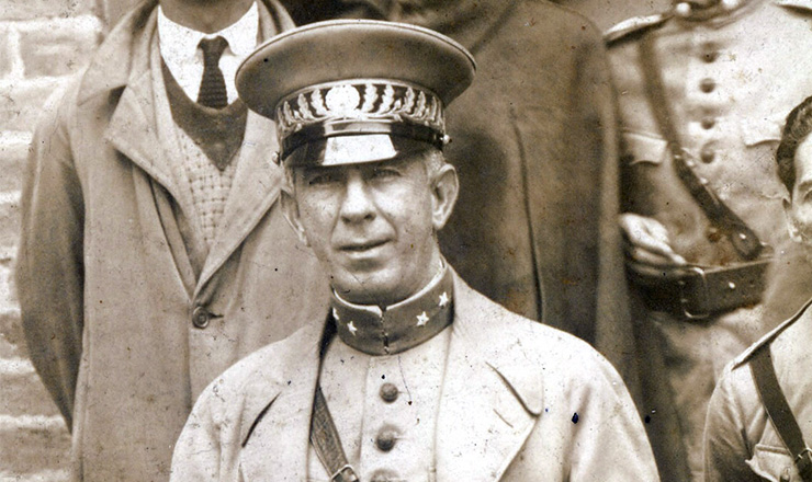 <strong> Miguel Costa, </strong> comandante da coluna Miguel Costa/Prestes, l&iacute;der da Revolu&ccedil;&atilde;o de 1924&nbsp;e membro da ANL, em S&atilde;o Paulo  &nbsp;