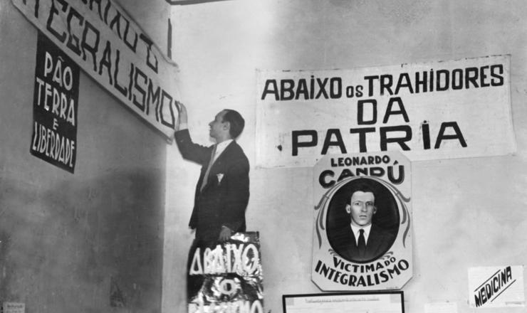 <strong> Polícia interditasede</strong> da ANL no Rio de Janeiro, em 12 dejulho de 1935