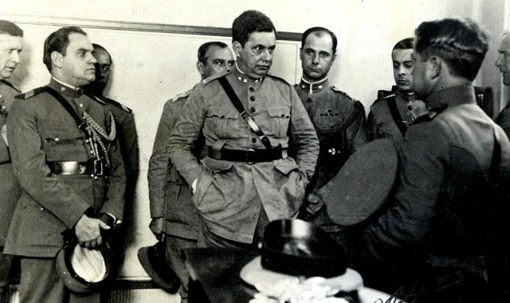 <strong> Ochefe do Estado Maior do Exército, general Góis Monteiro, no centro da turbulência: </strong> plano forjado para instaurar ditadura