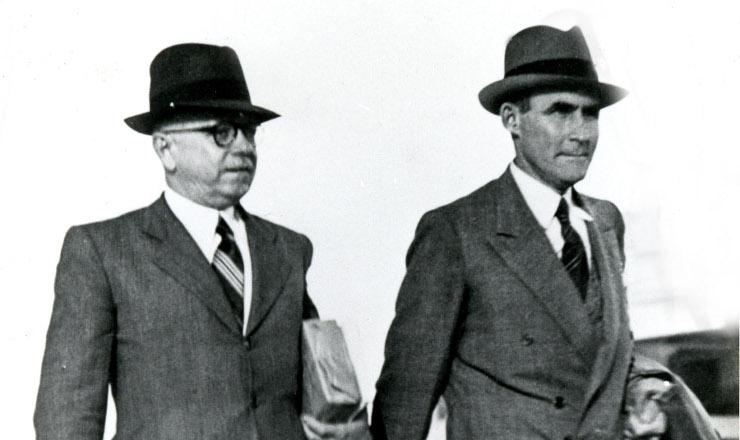 <strong> General Horta Barbosa</strong> , 1º presidente do Conselho Nacional do Petróleo, e Landulfo Alves, interventor federal na Bahia, em 1939