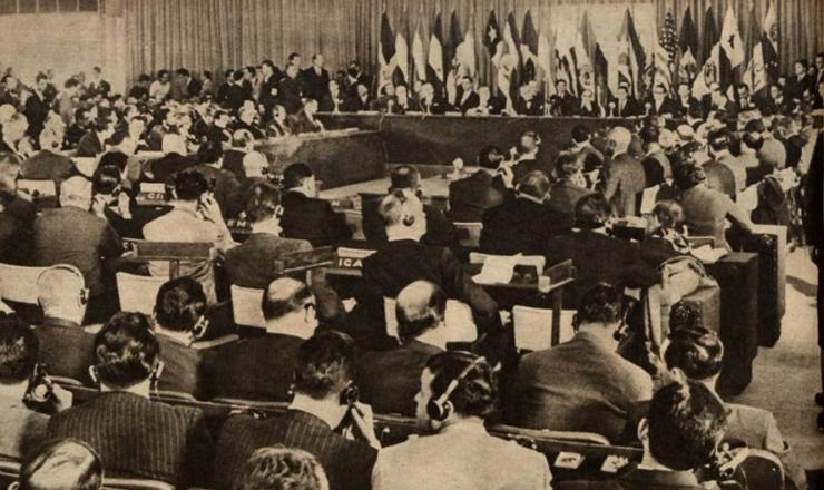 <strong> Abertura da Confer&ecirc;ncia Econ&ocirc;mica e Social Interamericana</strong> da OEA, que tinha sede em Punta Del Leste, Uruguai&nbsp;