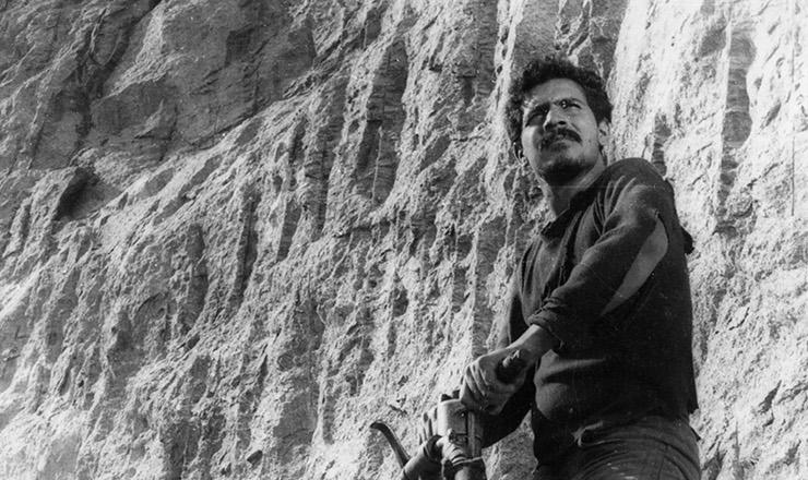 <strong> Chico de Assis em &quot;Pedreira de S&atilde;o&nbsp;Diego&quot;, </strong> epis&oacute;dio de &quot;Cinco Vezes Favela&quot; dirigido por Leon Hirszman&nbsp;