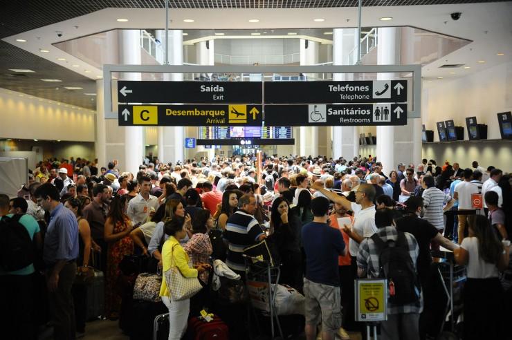 <strong> Aeroporto Santos Dumond</strong> , no Rio de Janeiro. Entre 2004 e 2010 o n&uacute;mero de passageiros em v&ocirc;os dom&eacute;sticos mais do que dobrou
