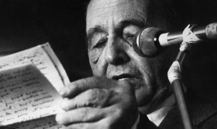 <strong> Lu&iacute;s Carlos Prestes,</strong> que deixou o PCB ao ser&nbsp;destitu&iacute;do da secretaria-geral do partido que dirigia desde 1934