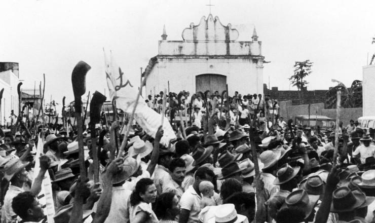 <strong> Manifesta&ccedil;&atilde;o&nbsp;</strong> das Ligas Camponesas, no in&iacute;cio dos anos 1960
