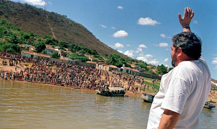 <strong> Em Morpará,</strong> um dos municípios mais pobres da Bahia ao qual só se chega de barco