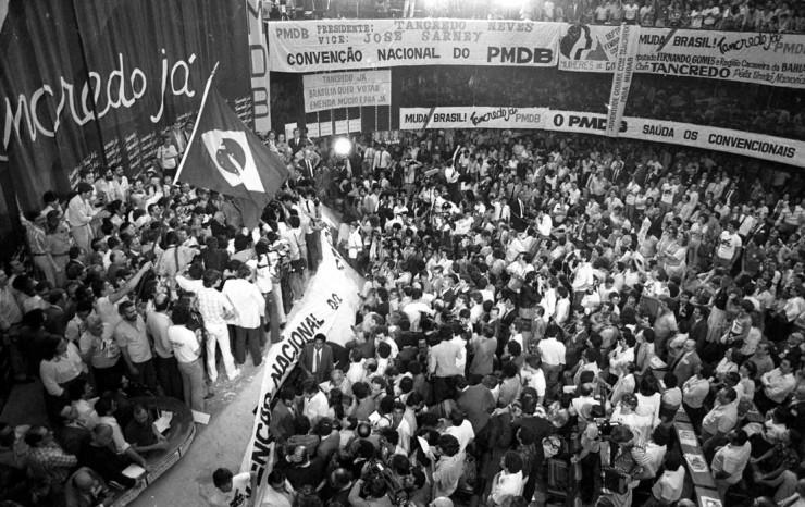 <strong> Conven&ccedil;&atilde;o Nacional do PMDB,</strong> que homologou a chapa Tancredo-Sarney para disputar a elei&ccedil;&atilde;o presidencial