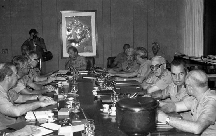 <strong> General Walter Pires</strong> &nbsp;em reuni&atilde;o do Alto Comando do Ex&eacute;rcito