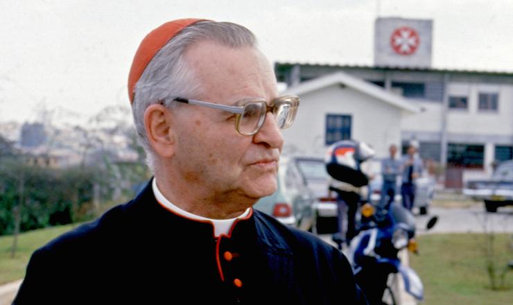 """<strong> Dom Paulo Evaristo Arns,</strong> arcebispo de São Paulo, conhecido pela militância em defesa dos direitos humanos, foi um dos coordenadores do projeto e autor do prefácio do livro """"Brasil: Nunca Mais"""""""