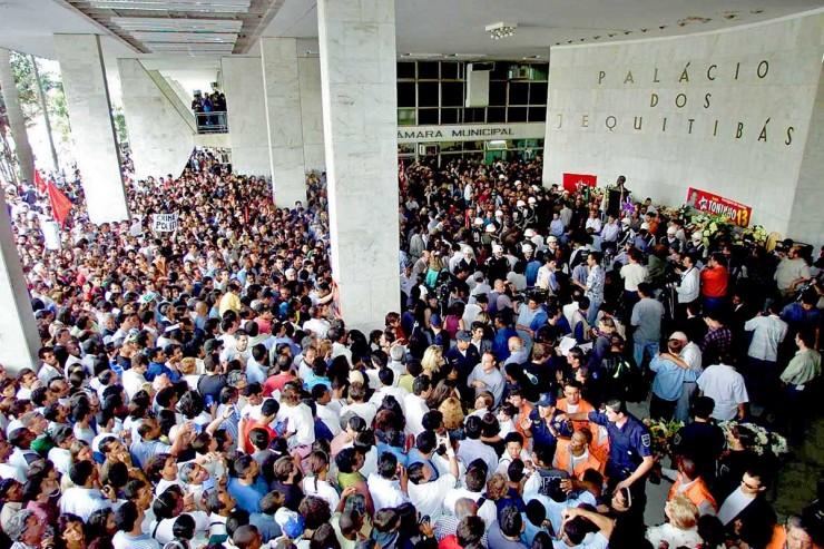 <strong> Velório do prefeito Toninho do PT </strong> no Paço Municipal de Campinas reuniu cerca de 100 mil pessoas