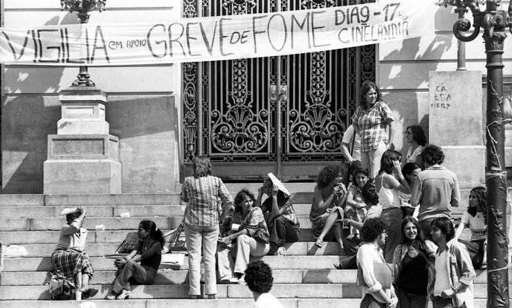 <strong> Parentes de presos</strong> políticos em manifesta&ccedil;&atilde;o de apoio &agrave; greve de fome no Rio