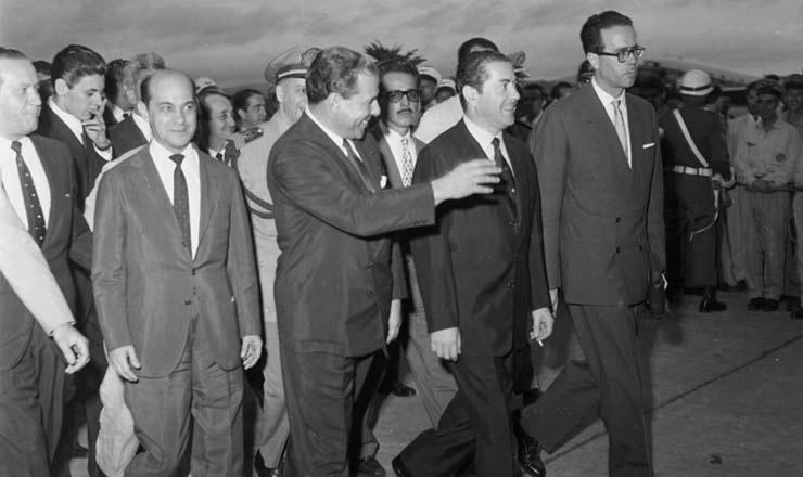 <strong> Tancredo Neves (esq.), ao lado de João Goulart e Leonel Brizola, </strong> foi nomeado primeiro-ministro em 1961, na adoção do regime parlamentarista e logo após a renúncia de Jânio Quadros