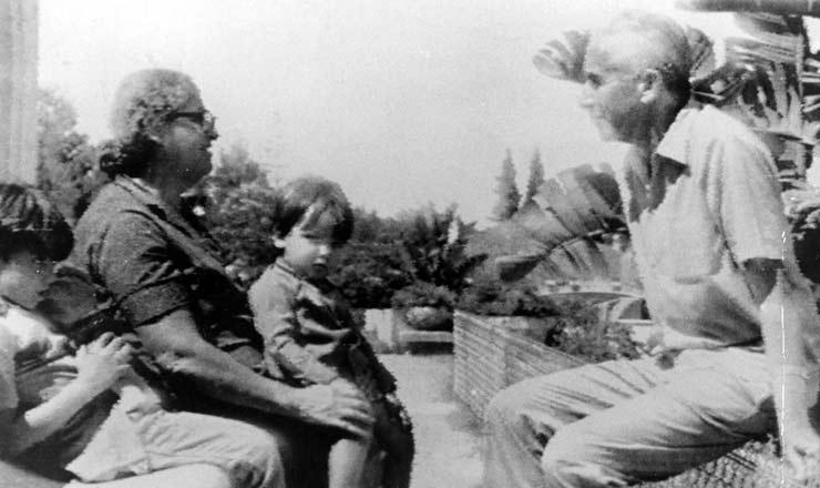 <strong> Em Argel, Apolônio</strong> de Carvalho, dirigente do PCBR, em foto de 1970<br />