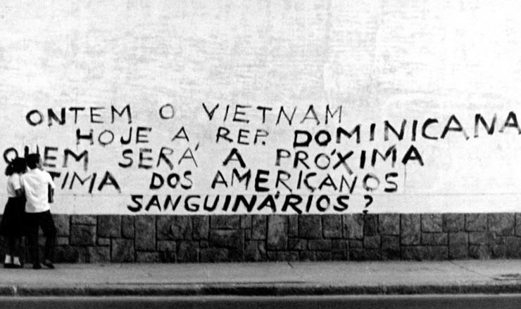 <strong> Protesto no Brasil</strong> contra interven&ccedil;&atilde;o dos EUA na Rep&uacute;blica Dominicana