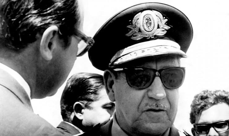 <strong> O general Costa e Silva</strong> é entrevistado às vésperas da eleição indireta