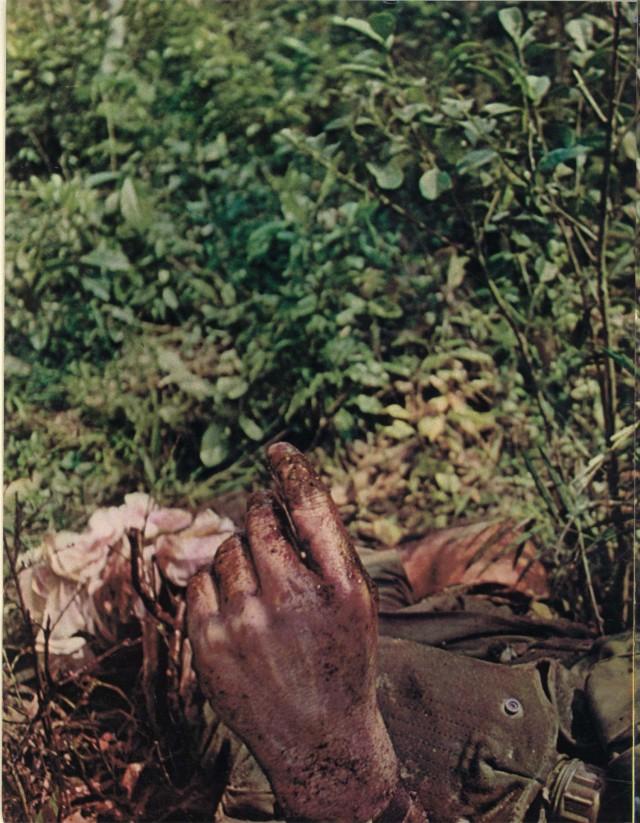 """Reportagem histórica de José Hamilton Ribeiro, repórter brasileiro da revista """"Realidade"""" que perdeu uma perna ao pisar em mina durante a cobertura da guerra do Vietnã"""