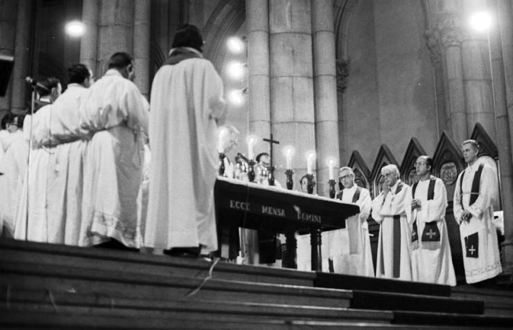 <strong> Dom Paulo Evaristo Arns </strong> celebra missa de s&eacute;timo dia em inten&ccedil;&atilde;o de Alexandre Vannucchi Leme  &nbsp;