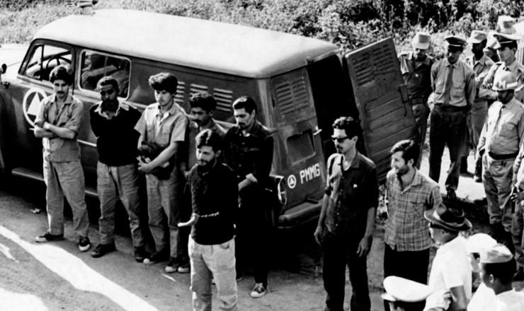 <strong> Guerrilheiros presos</strong> na Serra do Caparaó; grupo era formado por militares cassados