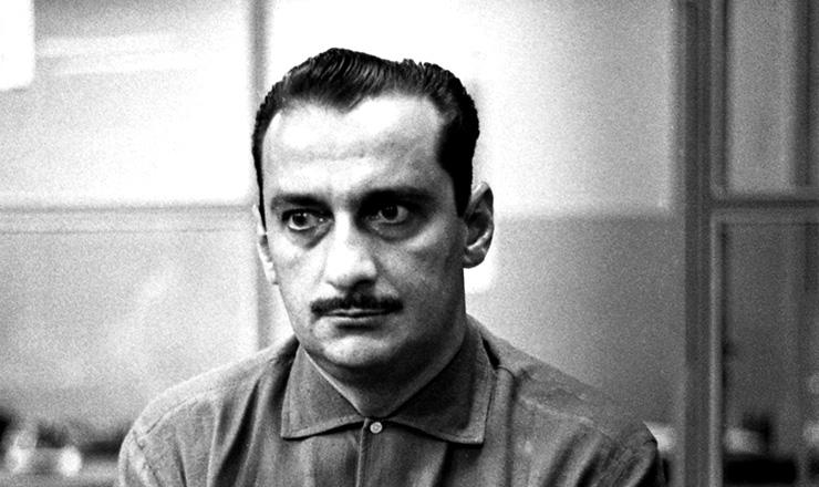 <strong> O jornalista Carlos Heitor Cony, </strong> em 1965, que escreveu artigos em defesa da anistia a cassados e presos políticos