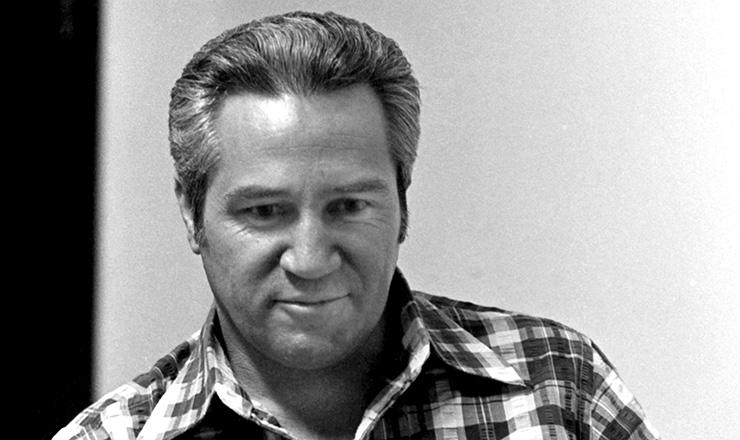 <strong> Jo&atilde;o Paulo Pires de Vasconcelos </strong> &ndash; Empregado da Sider&uacute;rgica Belgo-Mineira, presidia o Sindicato dos Metal&uacute;rgicos de Jo&atilde;o Monlevade (MG), onde liderou a greve de 1978; fez parte da primeira diretoria da CUT, em 1983