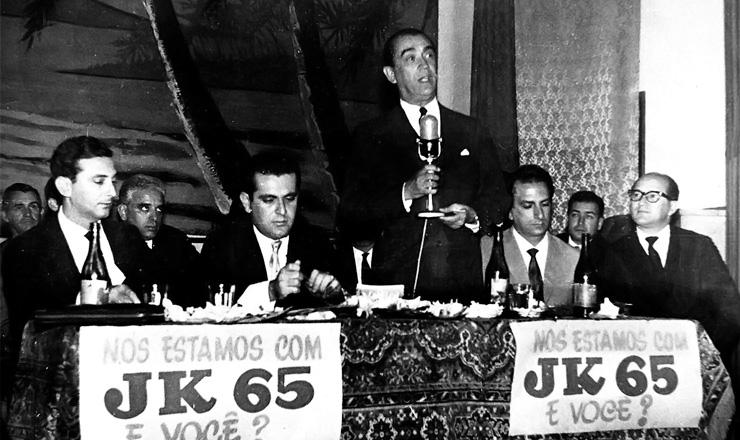<strong> Juscelino discursa </strong> na conven&ccedil;&atilde;o nacional do PSD, em mar&ccedil;o de 1964