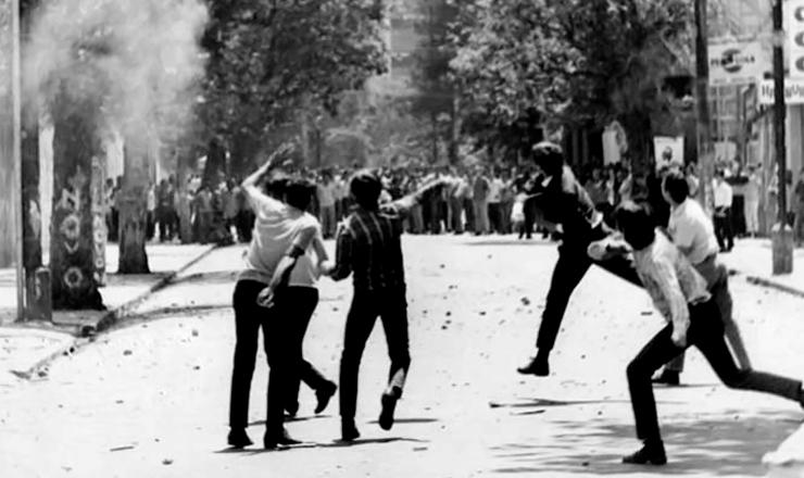 <strong> A Batalha da Maria Antonia, </strong> no centro de S&atilde;o Paulo, contrap&ocirc;s estudantes da USP e do Mackenzie, em outubro de 1968&nbsp;