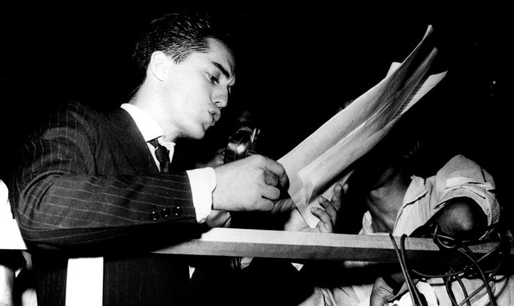 <strong> Aldo Arantes,</strong> presidente da UNE, em 1962&nbsp;