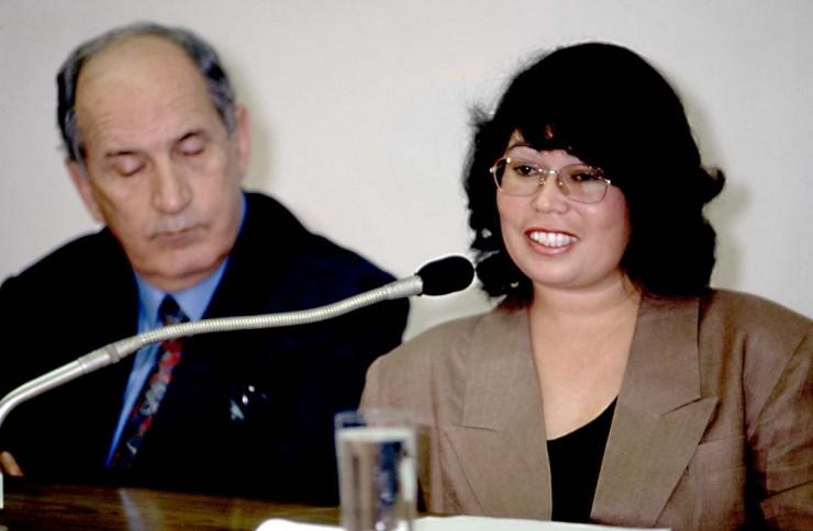 <strong> Rosinete Melanias, secretária de PC Farias,</strong> que assinava cheques de contas fantasmas que eram usados para pagar despesas pessoais do presidente Fernando Collor, em depoimento à CPI