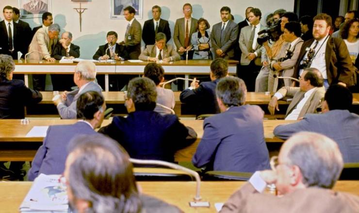 <strong> Sessão da CPI mista do Congresso</strong> que apurou as denúncias de pagamento de propinas e desvio de recursos públicos em esquema comandado por PC Farias dentro do governo Collor