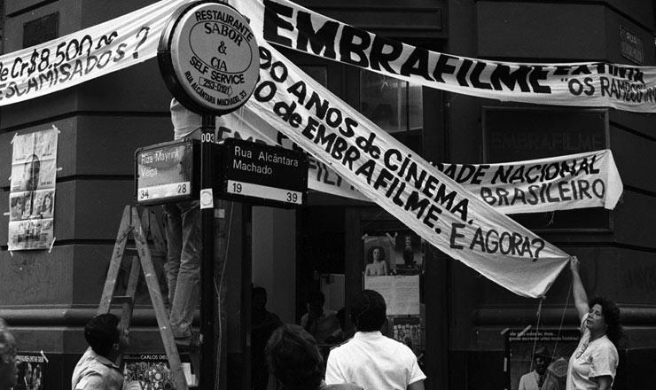 <strong> Protesto contra a extinção</strong> da Embrafilme no centro do Rio de Janeiro